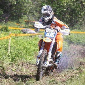 Taylor on her way to Sprint Enduro victory on day 1.